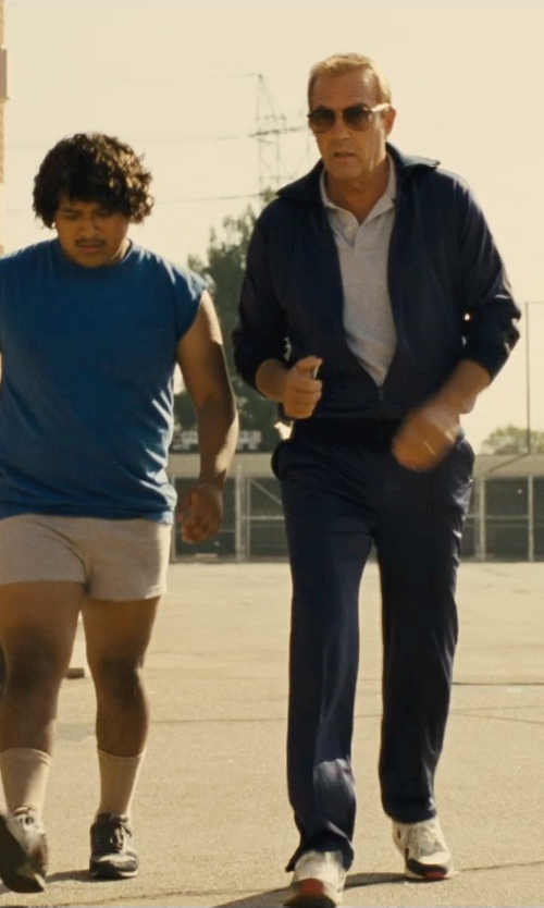 Kevin Costner with Nike Air Max 1 OG Sneakers in McFarland, USA