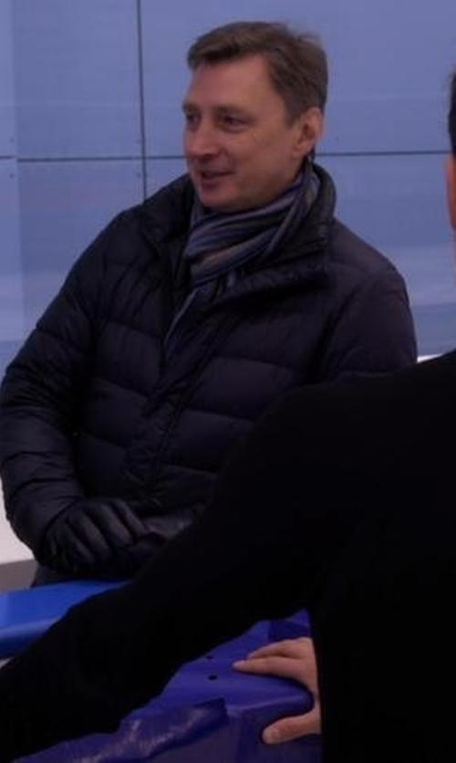 Oleg Vasiliev with Gant Rugger R. Rope Pinstripe Scarf in Chelsea