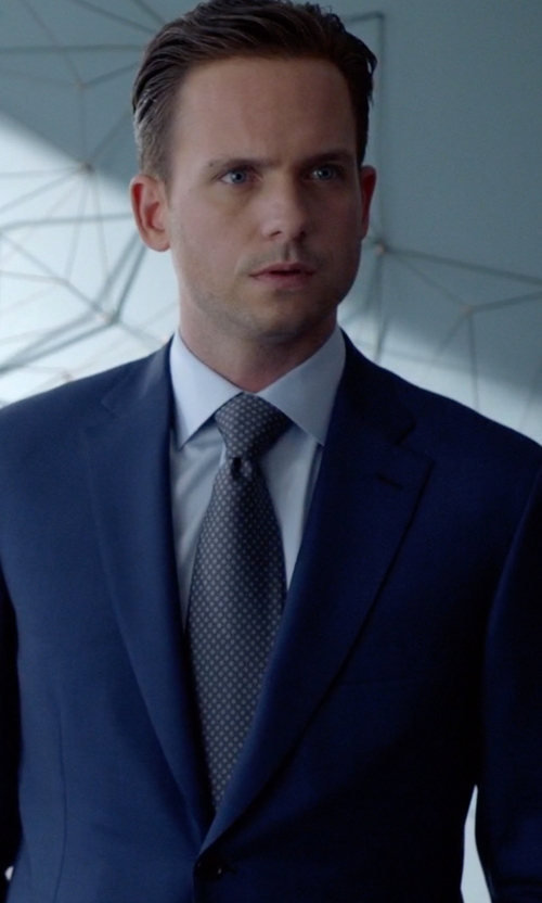Patrick J. Adams with Canali Dot Silk Tie in Suits