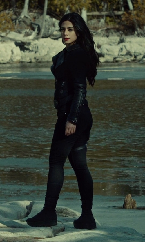 Emeraude Toubia with UGG Classic Short Suede Boots in Shadowhunters