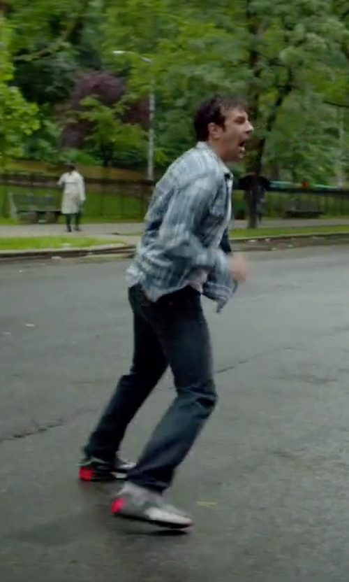 Jason Sudeikis with Nike Air Max 90 Sneakers in Sleeping with Other People