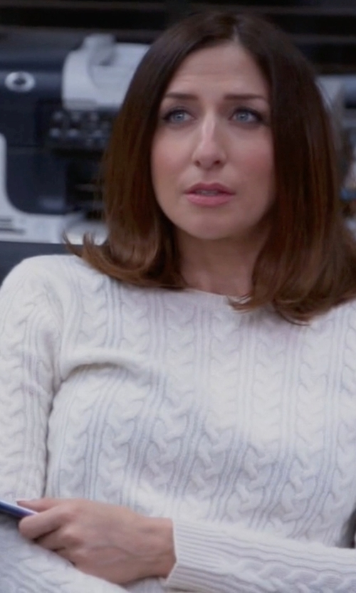 Chelsea Peretti with Vince Sequin Cable Knit Sweater in Brooklyn Nine-Nine