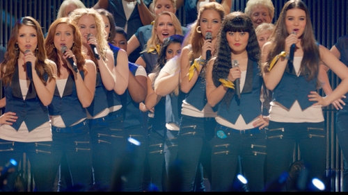 Hana Mae Lee with Paige Edgemont Jean in Pitch Perfect 2