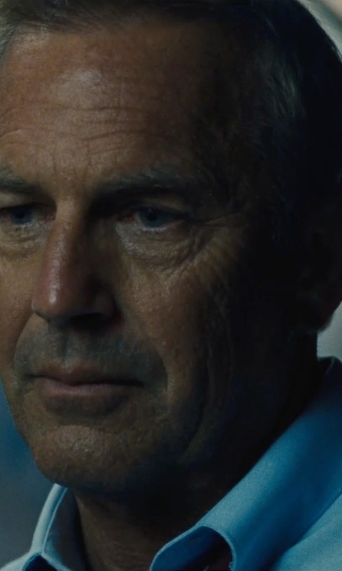 Kevin Costner with Tommy Hilfiger Solid Poplin Dress Shirt in McFarland, USA