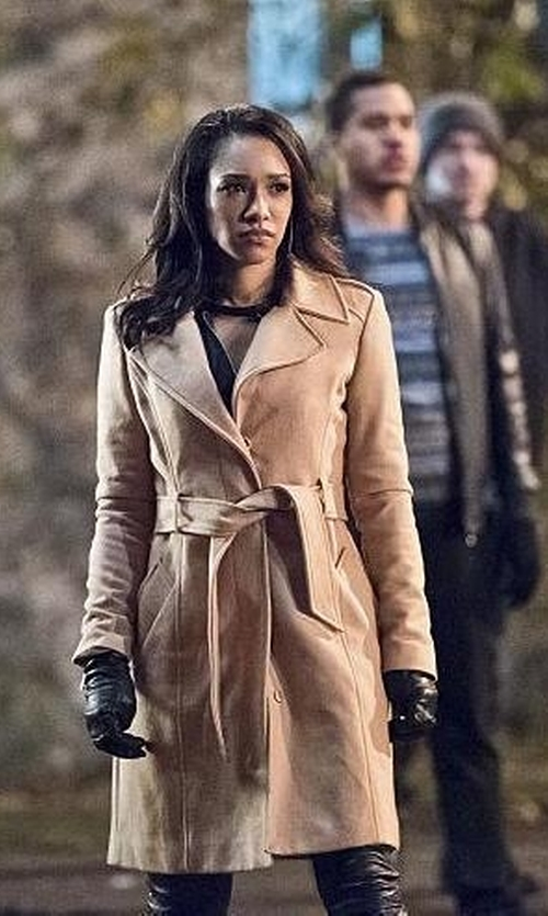 Candice Patton with Touchpoint Side Vent Leather Gloves in The Flash