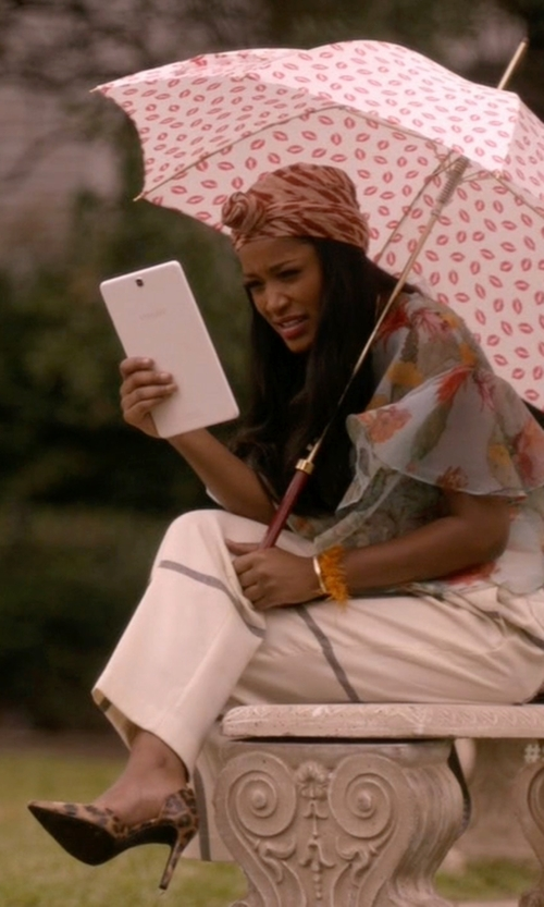 Keke Palmer with 3.1 Phillip Lim Checked Wool Wide-Leg Pants in Scream Queens