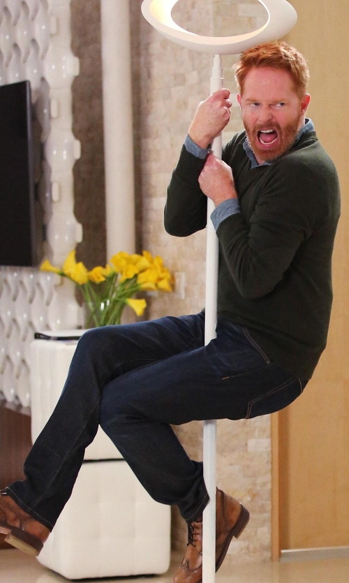 Jesse Tyler Ferguson with 7 For All Mankind Standard-Fit Marine Denim Jeans in Modern Family