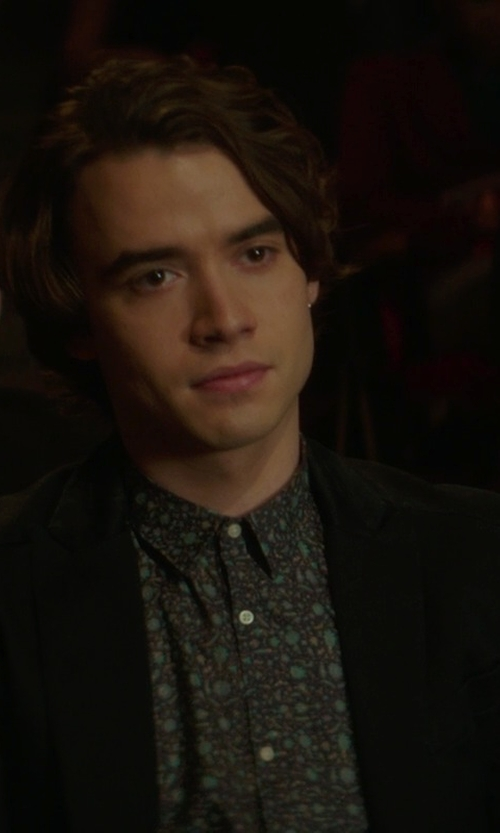 Jamie Blackley with Scotch & Soda Button Down Shirt in If I Stay