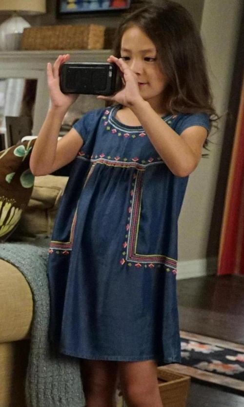 Aubrey Anderson-Emmons with Gucci Baby Denim Dot Pattern Dress in Modern Family