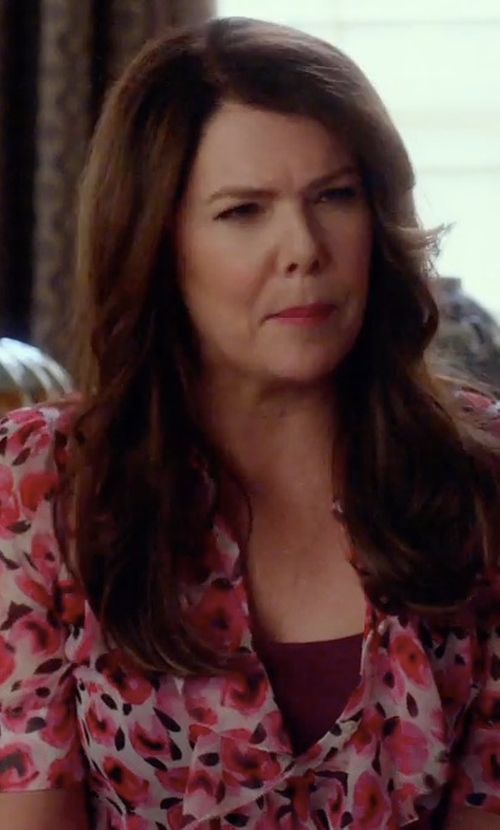 Lauren Graham with Kate Spade New York Rose Print Ruffle Silk Shirt in Gilmore Girls: A Year in the Life
