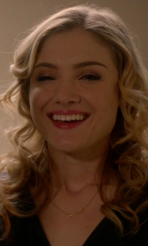 Skyler Samuels with Crowe Jewelry Three Diamond Dot Necklace in Scream Queens