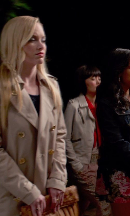 Kelley Jakle with London Fog Double Breasted Trench Coat with Detachable Liner in Pitch Perfect 2
