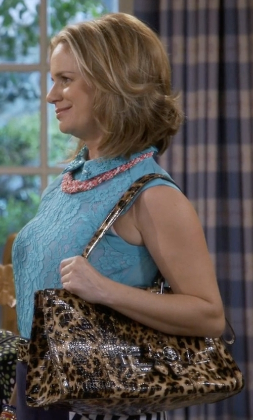 Andrea Barber with Alisa Luxury Leather Handbag in Fuller House