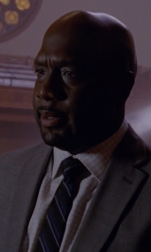 Richard T. Jones with English Laundry Trim Fit Check Dress Shirt in American Horror Story