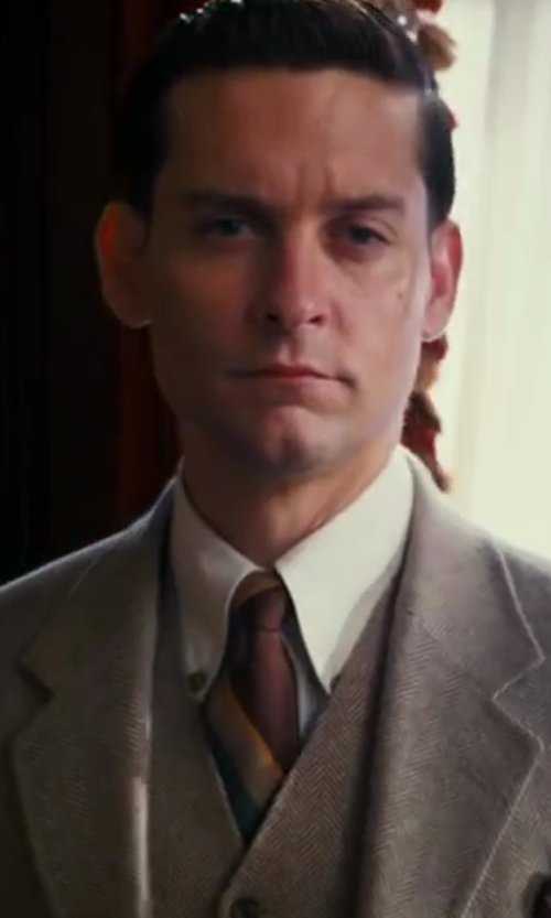 Tobey Maguire with J. Crew Ludlow Suit Vest In Italian Linen-Cotton in The Great Gatsby