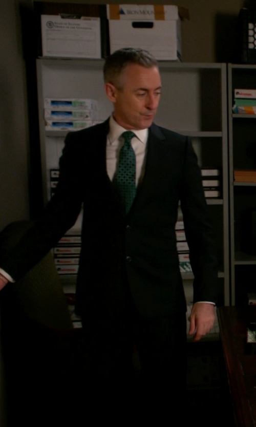 Alan Cumming with The Gigi Classic Two Piece Suit in The Good Wife