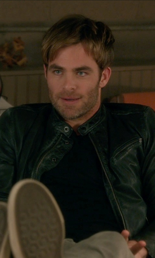 Chris Pine with John Varvatos Star USA Bowery Slim Straight Jeans in Horrible Bosses 2