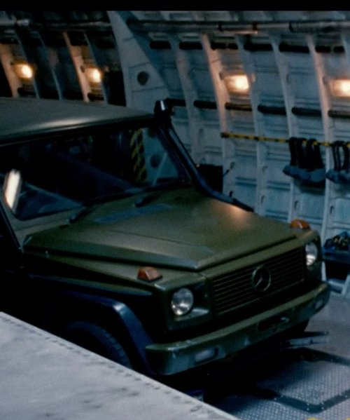 Tyrese Gibson with Mercedes-Benz G-Class SUV in Fast & Furious 6