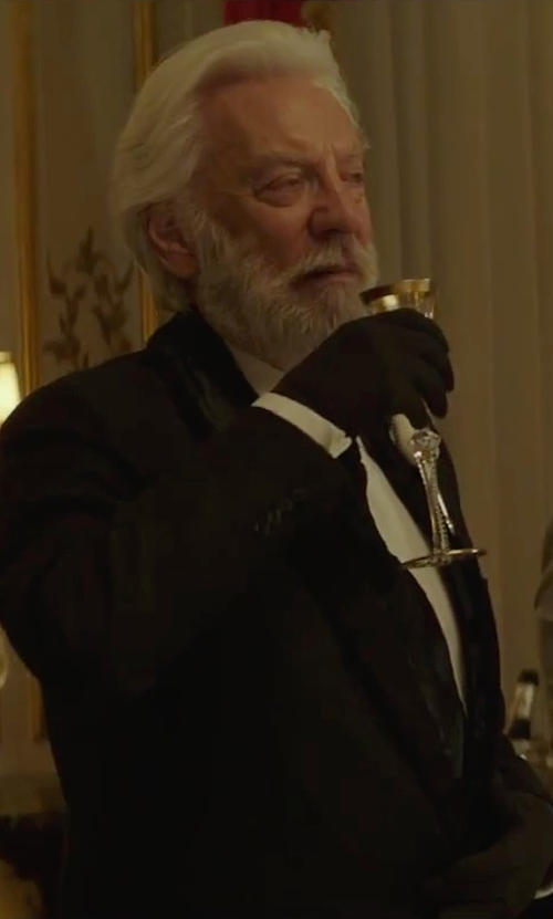 Donald Sutherland with Dior Homme Knitted Wool Gloves in The Hunger Games: Mockingjay - Part 2