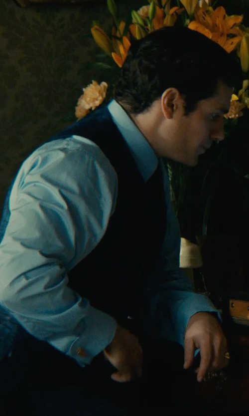 Henry Cavill with Murano Solid Point-Collar Liquid Cotton Dress Shirt in The Man from U.N.C.L.E.