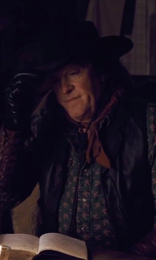 Michael Madsen with Gaspar Gloves Custom Made 'Joe Gage' Leather Gloves in The Hateful Eight