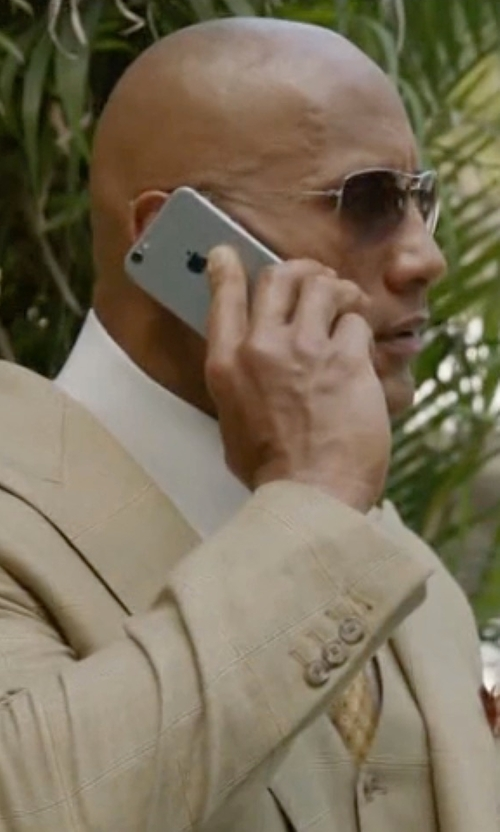 Dwayne Johnson with Apple iPhone 6 Space Gray in Ballers