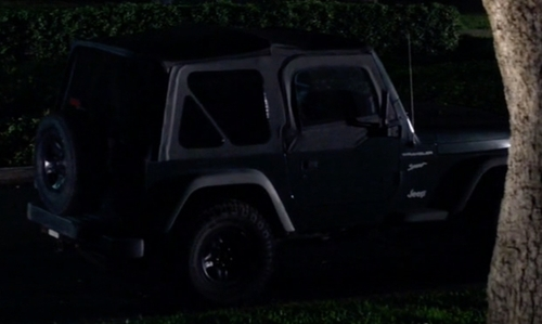Oliver Hudson with Jeep Wrangler SUV in Scream Queens