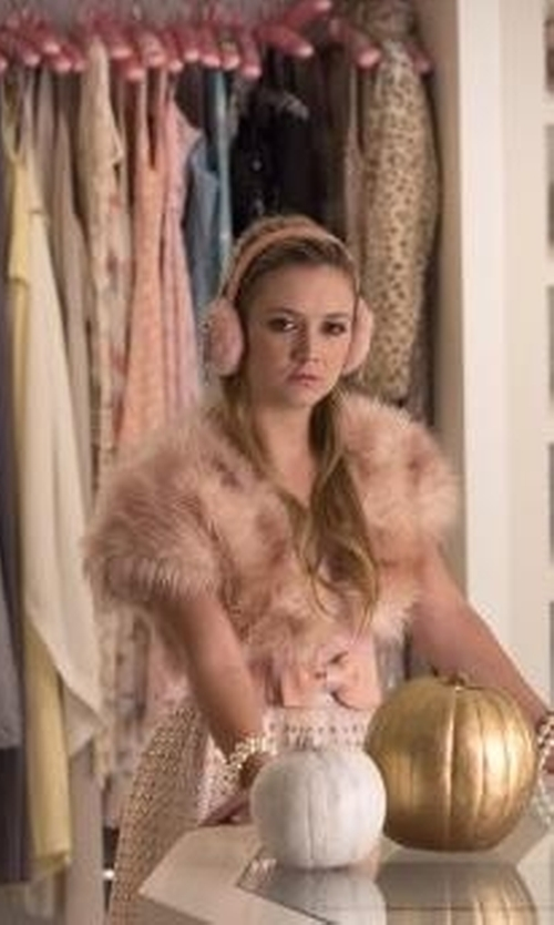 Billie Lourd with Fur Scarf & Shawl Rabbit Fur Short Sleeve Shrug in Scream Queens