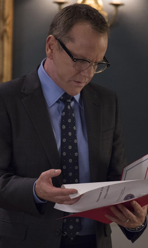 Kiefer Sutherland with Brioni Medallion Textured Ground Tie in Designated Survivor