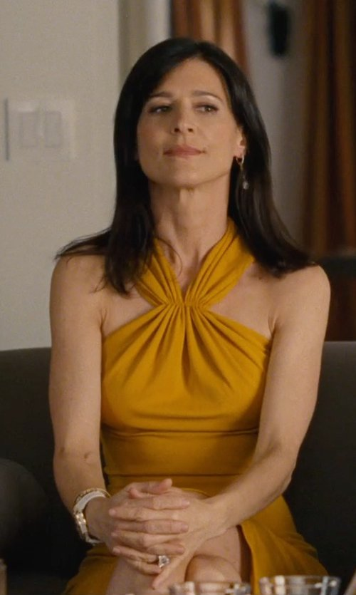 Perrey Reeves with Megan Thorne Geometric Diamond Ring in Entourage