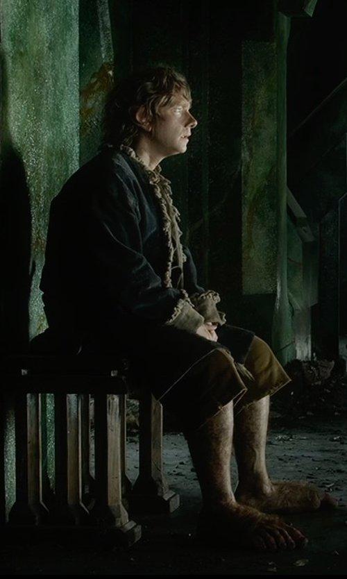 Martin Freeman with Ann Maskrey & Bob Buck (Costume Designer) Custom Made Bilbo Lake Town Costume in The Hobbit: The Battle of The Five Armies