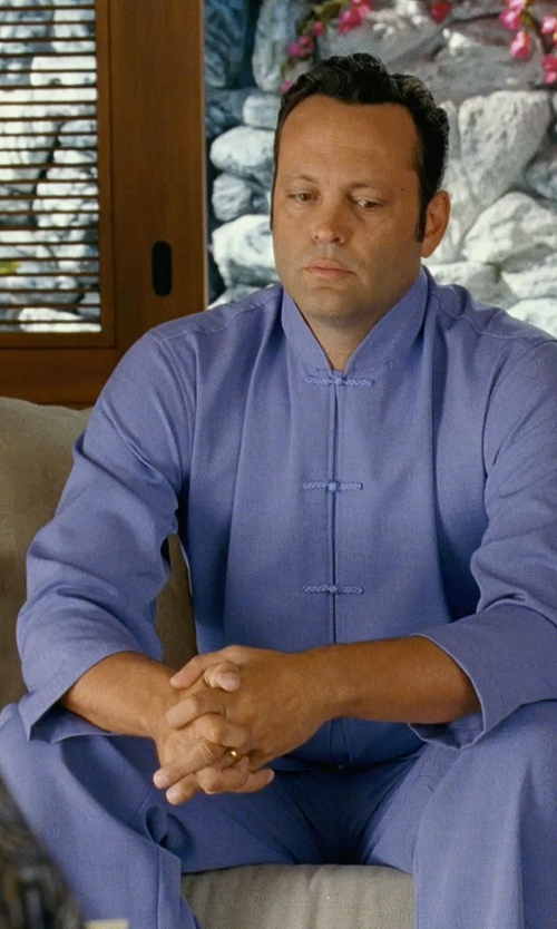 Vince Vaughn with Szul 18k Yellow Gold Comfort-Fit Wedding Band in Couple's Retreat