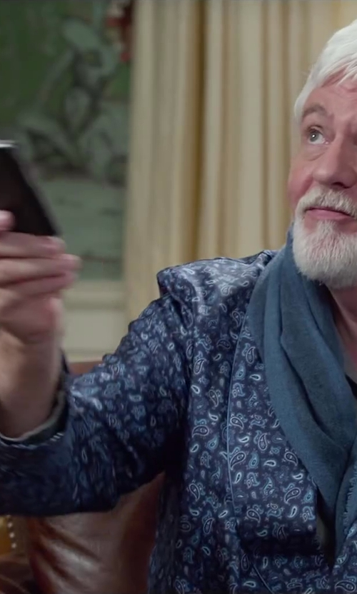 Steve Tom with Apple iPhone 5s in Dumb and Dumber To