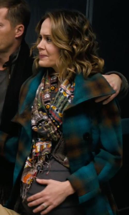 Sarah Paulson with Chelsey By Joseph Floral Stripe Infinity Scarf in New Year's Eve