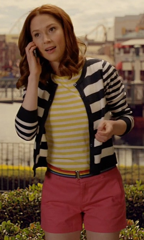 Ellie Kemper with Lilly Pulitzer Calla Shorts in Unbreakable Kimmy Schmidt