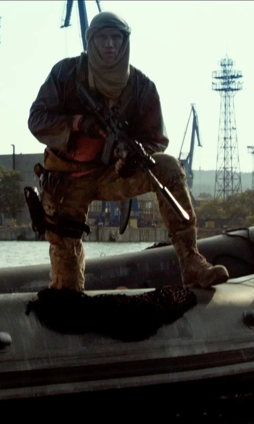 Dolph Lundgren with Columbia Sportswear Traveler's Escape Flat-Front Convertible Cargo Pants in The Expendables 3