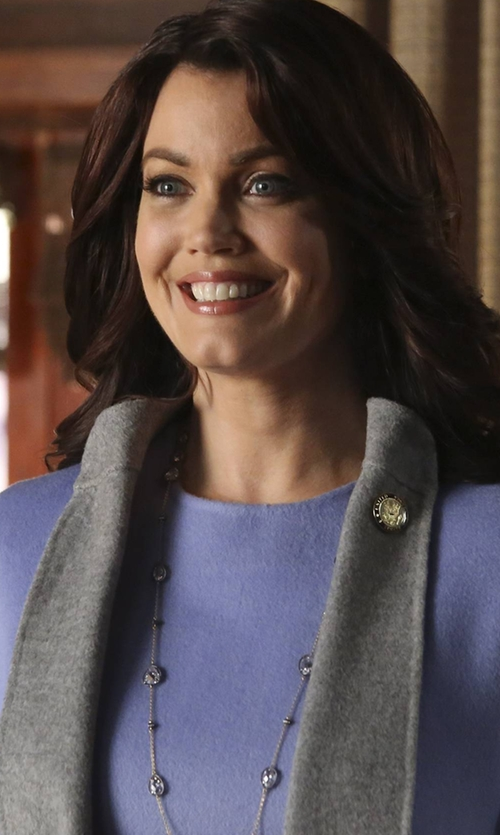 Bellamy Young with John Hardy Palu Silver Disc Stations Sautoir Necklace in Scandal