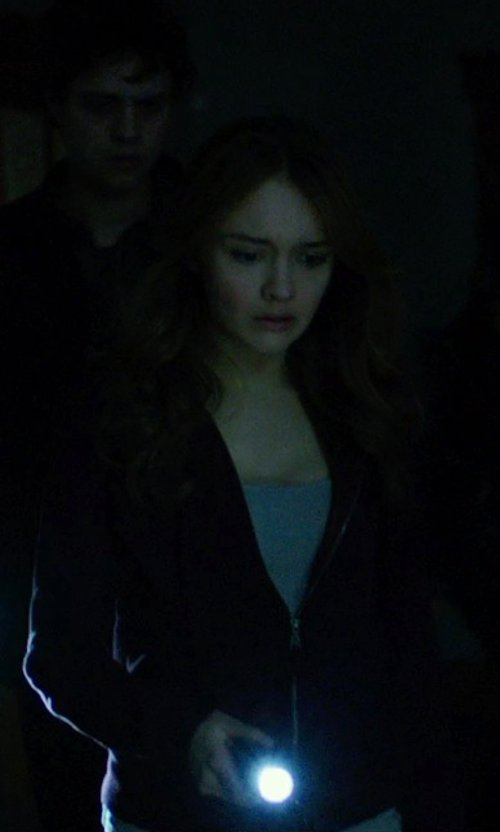Olivia Cooke with Streamlight Streamlight ProTac HL Flashlight in Ouija