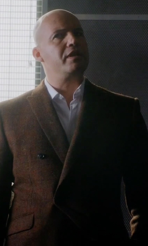 Billy Zane with London Fog Coat Durham Raincoat in Guilt