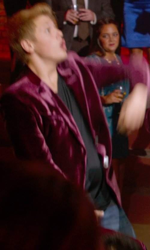 Blake Burt with Theory Stiring Erie Sport Coat in Pitch Perfect 2