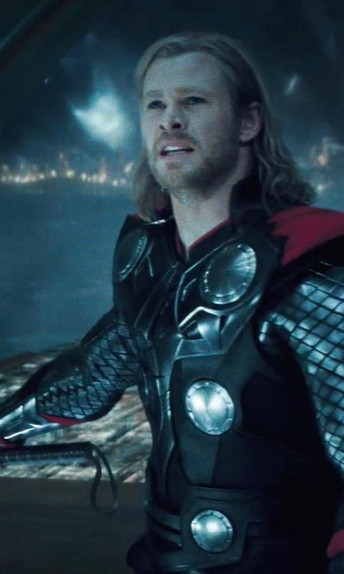Chris Hemsworth with Andy Park (Concept Artist) Mjölnir Hammer in Thor