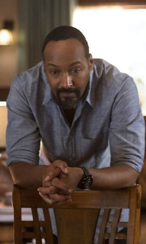 Jesse L. Martin with J. Crew Indigo Japanese Chambray Shirt in The Flash