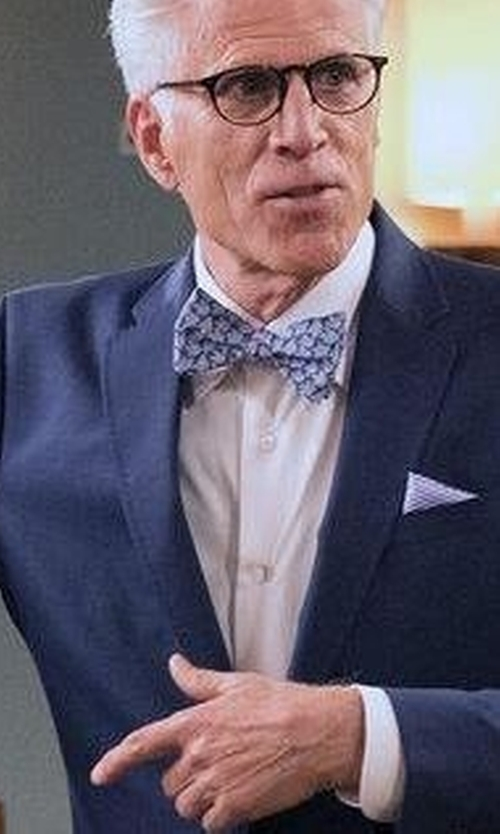 Ted Danson with Ted Baker London Daisy Floral Silk Bow Tie in The Good Place