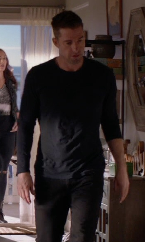 Scott Speedman with Vince Raw-Hem Crewneck T-Shirt in Animal Kingdom