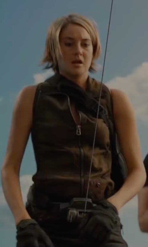 Shailene Woodley with Arcteryx Rivet AR Glove in The Divergent Series: Allegiant