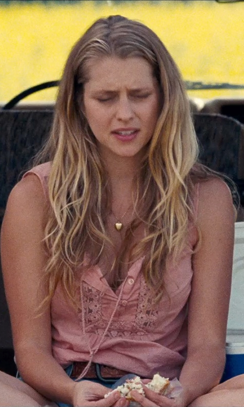 Teresa Palmer with Only Lace Sleeveless Blouse in Cut Bank