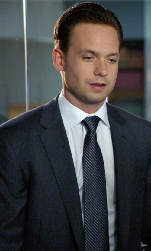 Patrick J. Adams with Ralph Lauren Striped Silk Tie in Suits