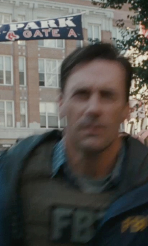 Jon Hamm with Banshee Rifle Plate Carrier Vest in The Town