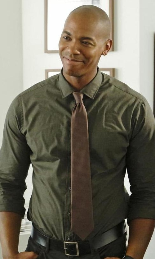 Mehcad Brooks with Hugo Geometric Silk Tie in Supergirl