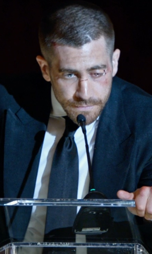 Jake Gyllenhaal with Brioni Solid Silk Satin Tie in Southpaw